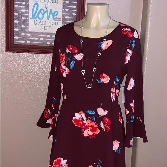 Old Navy Dresses & Skirts - Old Navy Floral Dress